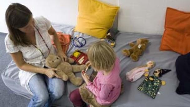 Hilfe für Demenzkranke und Kinder