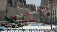 Kran stürzt auf Große Moschee von Mekka