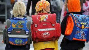 Leyen: Schulstarterpaket bleibt