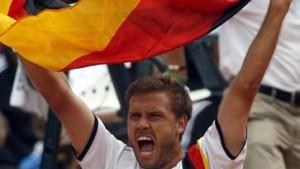 Waske gewinnt: Deutschland bleibt erstklassig