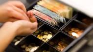 Steigende Inflation drückt auf die Konsumstimmung