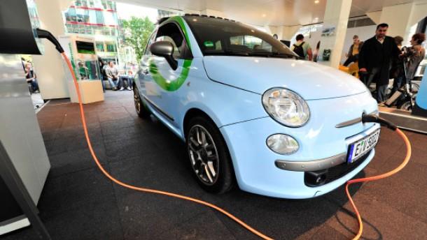 Fiat elektrisiert den Cinquecento zuerst in Amerika
