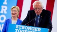 Clinton und Sanders gemeinsam gegen Trump