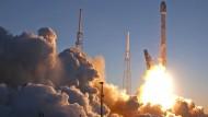 Neuer Satellit beobachtet gefährliche Sonnenwinde