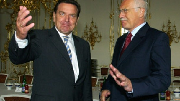 Schröder: Mißverständnisse mit Prag ausgeräumt