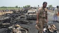 Mehr als 120 Menschen sterben bei Tanklaster-Unglück