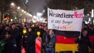 Demonstrationen für und gegen Pegida