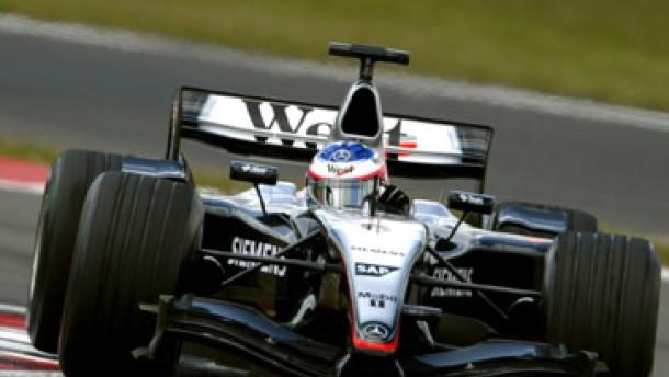 Schumacher mit Problemen - Räikkönen mit Tempo