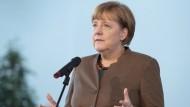 Merkel verteidigt Länderspiel-Absage