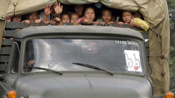 Trotz Protesten: Thailand deportiert Hmong-Flüchtlinge nach Laos