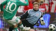 Diego macht sein Tor gegen Kahn und die Bayern