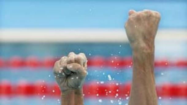 Grant Hackett schwimmt aus dem Schatten