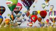 433 Ballons füllen Frankreichs Himmel