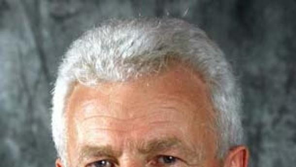 HR will eine Million Euro von Emig