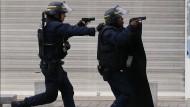 Zwei Tote bei Anti-Terror-Großeinsatz bei Paris