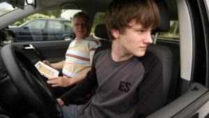 Kabinett billigt Führerschein mit 17 Jahren