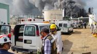Drei Tote und zahlreiche Verletzte bei Explosion in Ölraffinerie