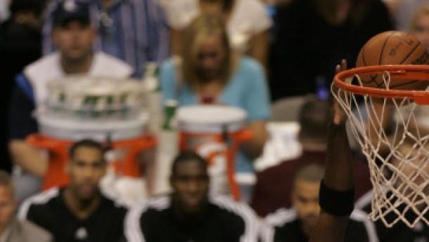 Nowitzki verliert mit Dallas zweites Playoff-Spiel
