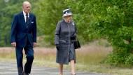 Queen besucht Bergen-Belsen und beendet Staatsbesuch