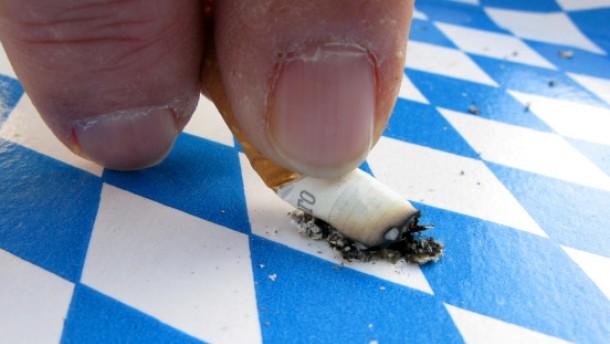 Weiß-blaue Rauchzeichen