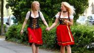 Deutschland-Dirndl zur Fußball-EM