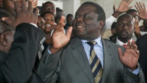Tsvangirai koaliert mit Mugabes Partei