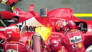 Schumacher und Ferrari trotzen auch den Flammen