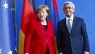 Merkel will bei Lösung des Konflikts um Berg-Karabach helfen