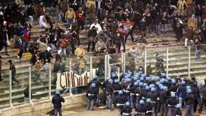 Italien gegen Ultras - Vatikan soll helfen