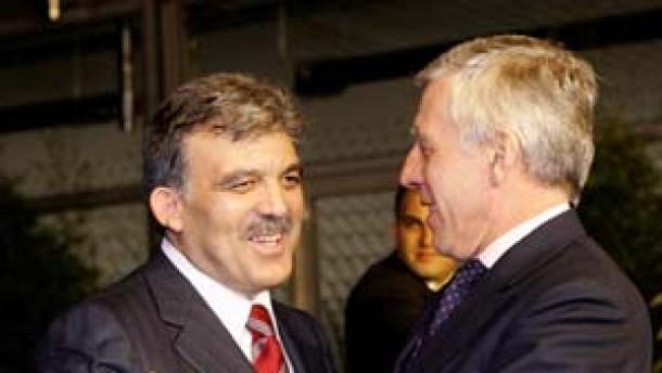 EU beginnt Verhandlungen mit Türkei und Kroatien