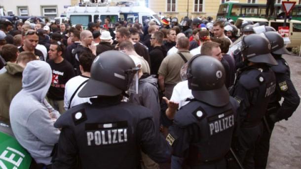 Über hundert deutsche Hooligans festgenommen