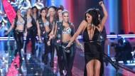 Selena Gomez singt für die Engel