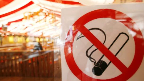 Bayern entzünden neue Rauchverbots-Debatte