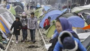 EU will mit Türkei-Abkommen Flüchtlingskrise bewältigen