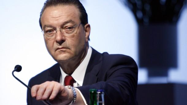 Zweifel an Bankchef Grübel