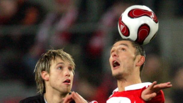 1. FC Köln stürmt auf Platz drei