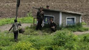 Nordkoreanische Soldaten am Grenzfluss