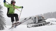 Skifahrer in Deutschland genießen Traumwetter