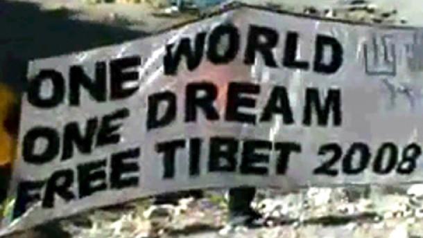 Amerikaner nach Protest am Mount Everest ausgewiesen