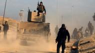 Irakische Sicherheitskräfte nehmen Regierungsgebäude in Mossul ein