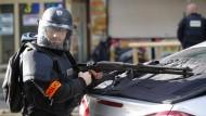 Polizei in Paris erschießt mutmaßlichen Angreifer