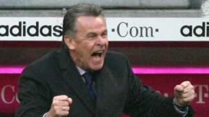 Bayern gewinnt mit Hitzfeld - von Heesen tritt ab