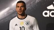 Lukas Podolski überrascht von Niersbachs Rücktritt