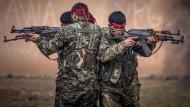 Türkei und Amerika wollen tausende syrische Rebellen ausbilden