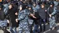 Hunderte Festnahmen bei Oppositions-Protesten in Russland