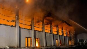 Geplante Notunterkunft für Flüchtlinge abgebrannt