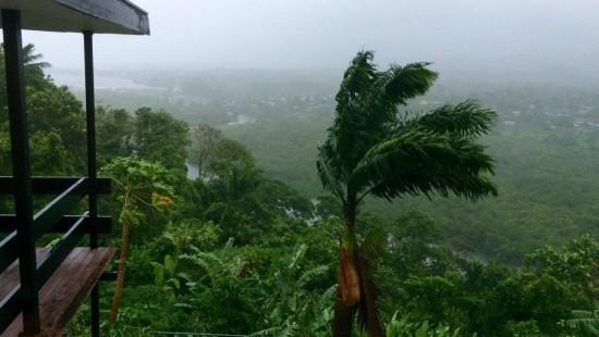 Rekord-Zyklon über den Fidschi-Inseln