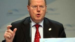 Steinbrück meldet 1,2 Prozent an Brüssel
