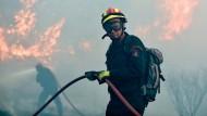 Heftige Waldbrände in Griechenland und Portugal