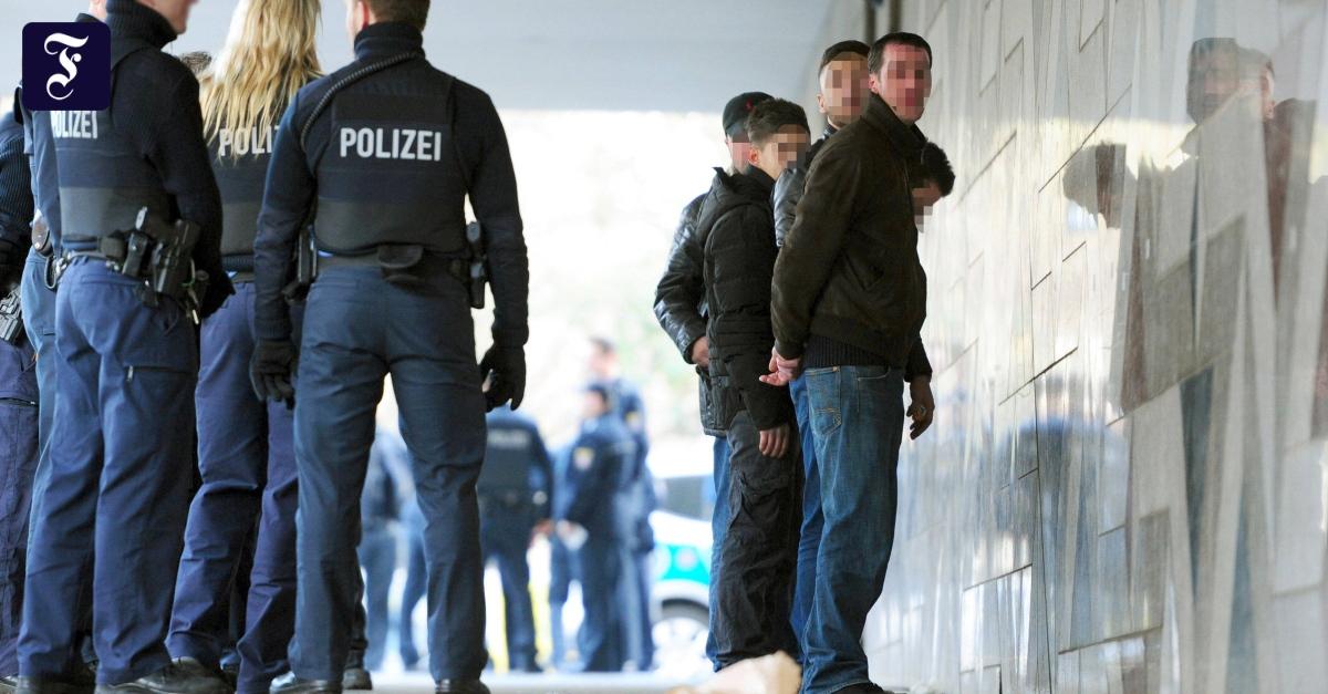 """Familien-Clans in Deutschland: """"Ich weiß, wo deine Schwester wohnt"""""""
